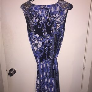 Cache Dress. Never worn. Size small.